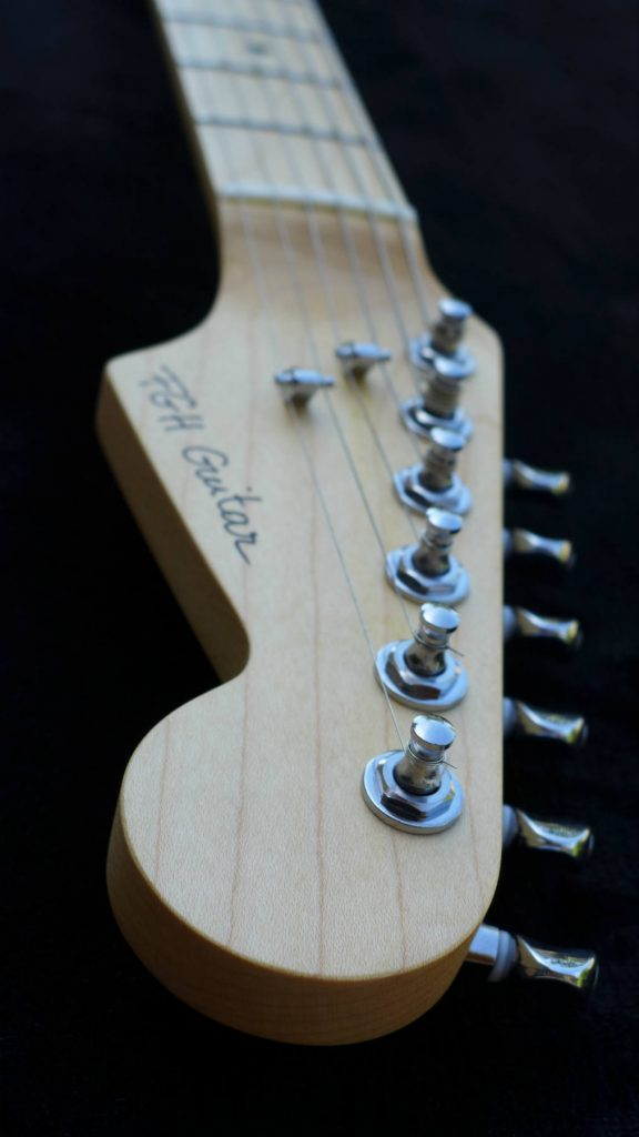 luthier Aude-luthier Ariège-stratocaster