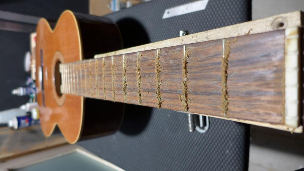 Guitare Yamaha-luthier Ariège-luthier Aude