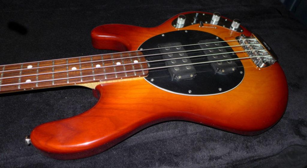 Music man stingray-luthier Aude-luthier Ariège